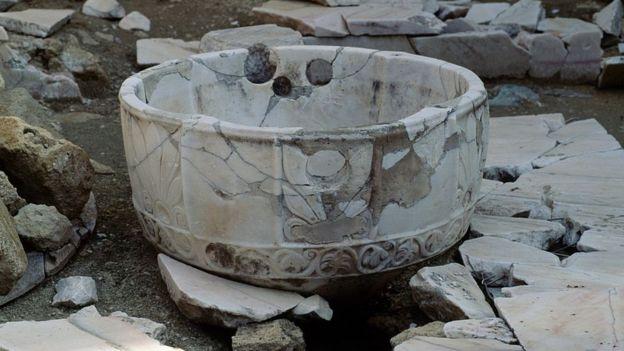 Recipiente de pedra na medina