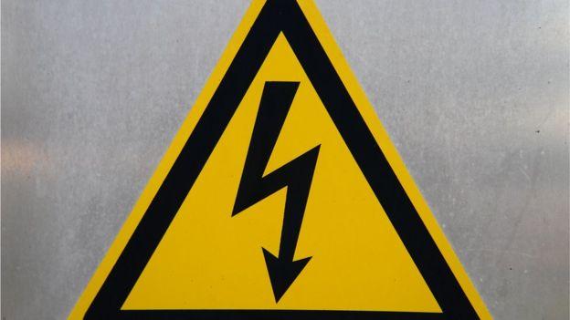 Símbolo de alto voltaje