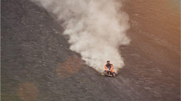 Volcano boarding en León
