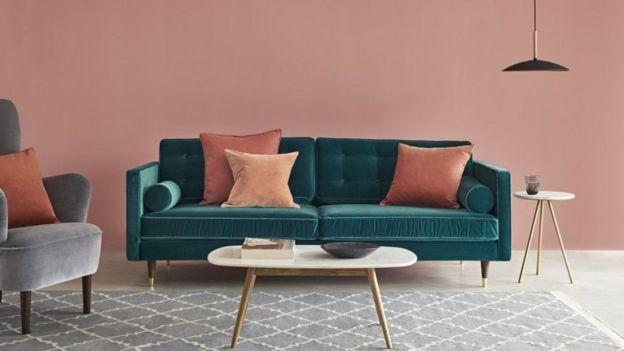 أريكة من منتجات شركة سوون