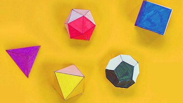 el tetraedro, el cubo (o hexaedro), el octaedro, el dodecaedro y el icosaedro