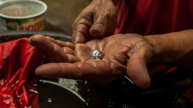 El mercurio se ha vuelto uno de los componentes más usados en la minería artesanal e ilegal de oro.