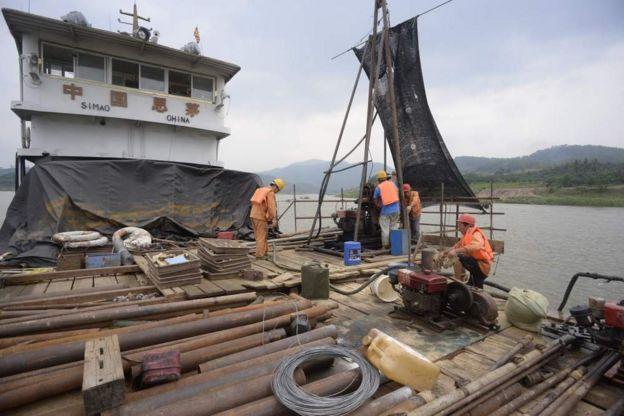 十多年前就有了加強湄公河航運的想法。中緬邊境和緬甸老撾邊境的岩石和小島已經拆除。