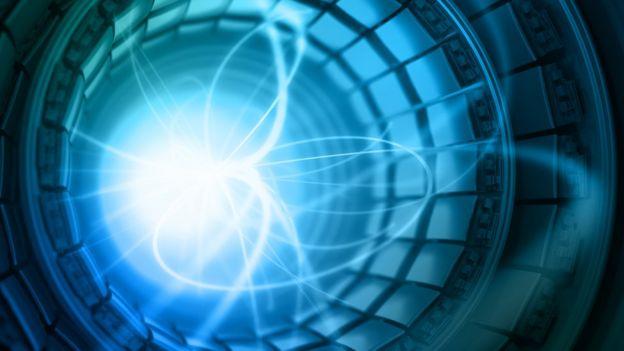 Визуализация распада частиц внутри коллайдера