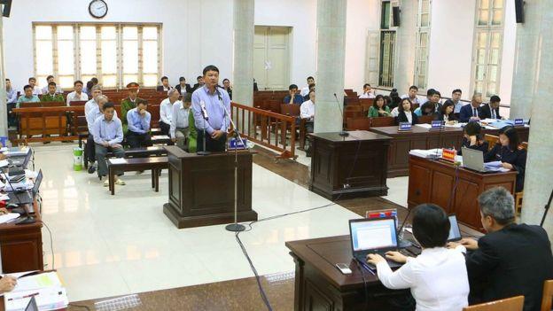 Phiên tòa xử ông Đinh La Thăng, nguyên Ủy viên Bộ Chính trị