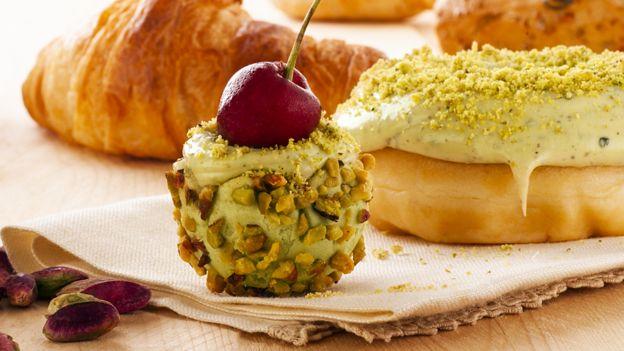 布朗特綠色開心果做的甜點
