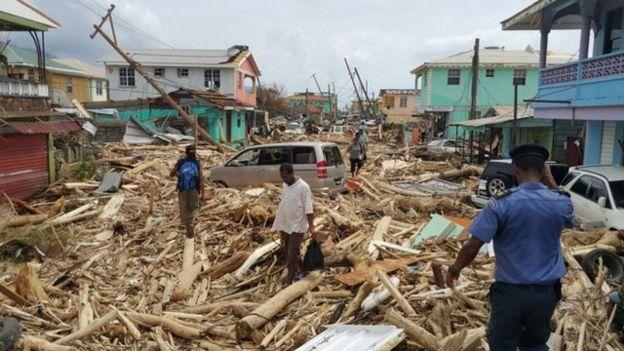 توفان ماریا پانزده نفر را در دومینیکا کشت