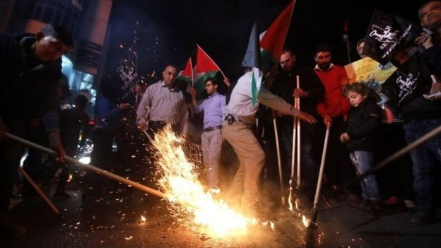 Người Palestine tổ chức các cuộc biểu tình chống lại việc mở ĐSQ Mỹ