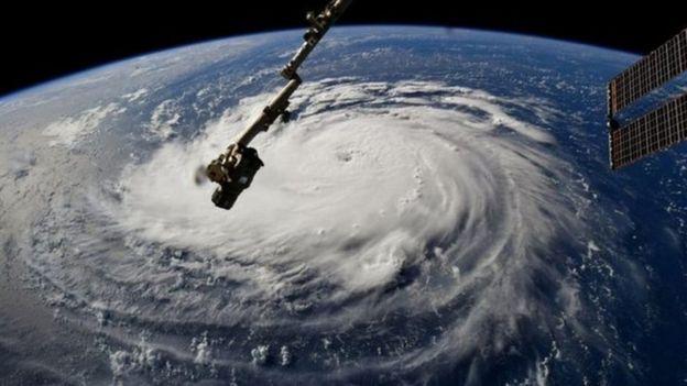 Furacão Florence, que ameaça os Estados Unidos, visto a partir do espaço