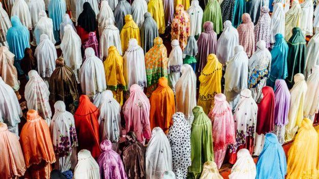 Musulmanas rezando