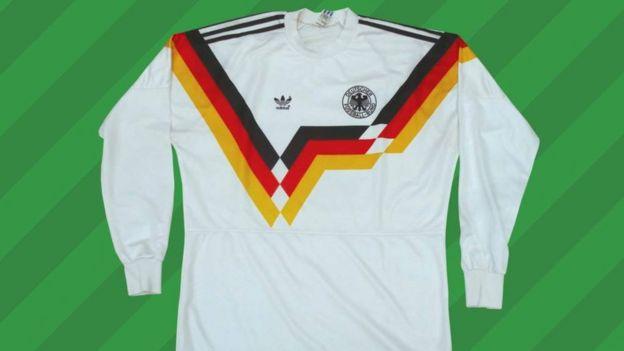 1ba5ac7695513 Cuáles son las camisetas de fútbol más icónicas de todos los tiempos ...