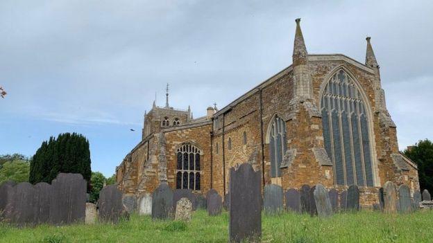 كنيسة الثالوث المقدس في روثويل