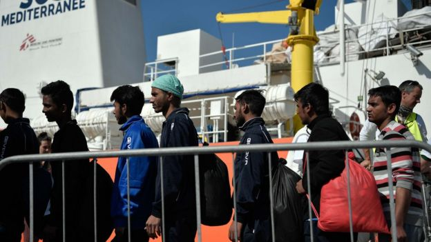 بنادر ایتالیا از جمله کاتانیا نقط ورود بسیاری از مهاجرانی است که با عبور از مدیترانه خطر می کنند