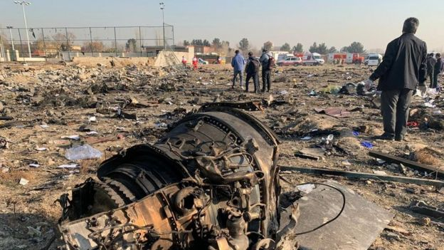 """Авиалайнер """"Международных линий Украины"""" был сбит и упал под Тегераном утром 8 января"""