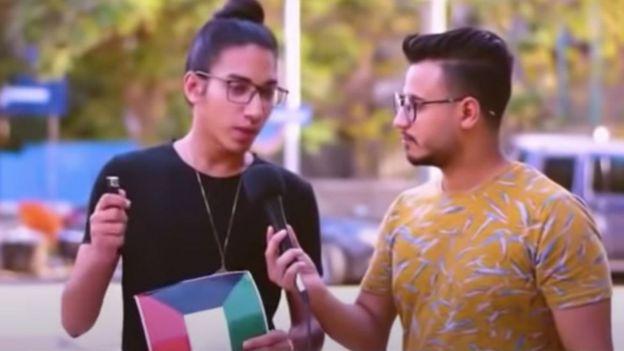 انتشرت مؤخرا تحديات حرق أعلام الدول العربية مقابل المال