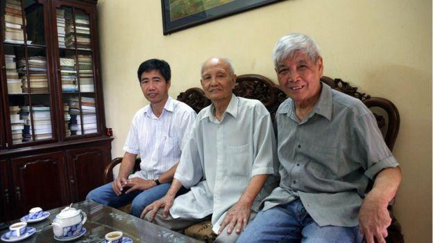 Ông Trần Việt Phương (đầu tiên, từ phải)