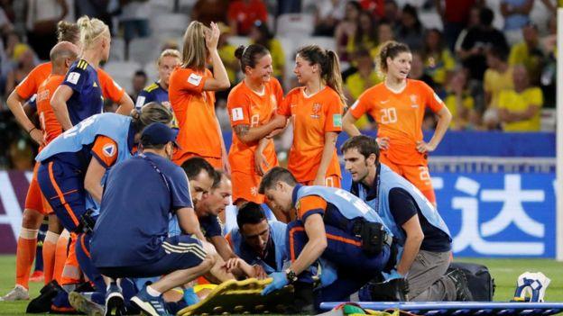 جانب من منافسات كأس العالم للكرة النسائية