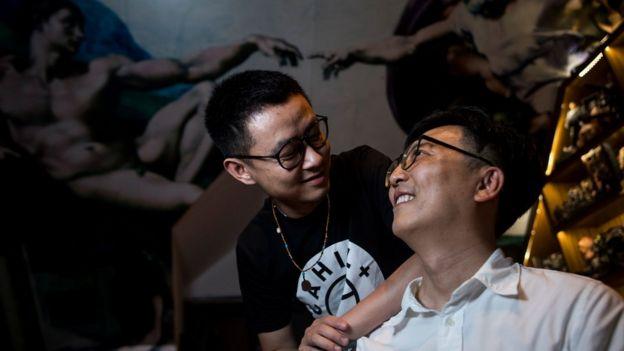上海的一对同志情侣