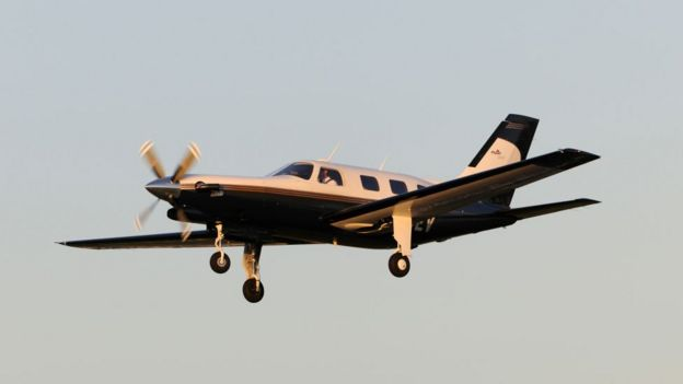 Piper Malibu tipi uçak.