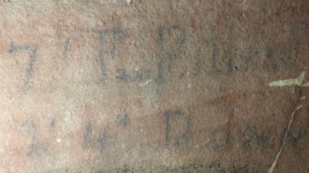 Pencil note recording grave