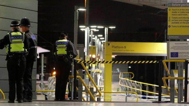 حادث طعن في محطة للقطارات في مدينة مانشستر الانجليزية عشية العام الجديد