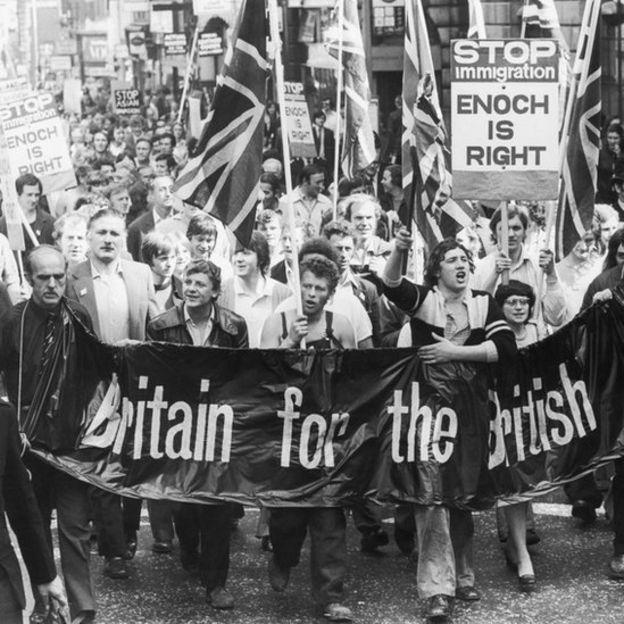 Manifestación en contra de la inmigración en Reino Unido en 1972.