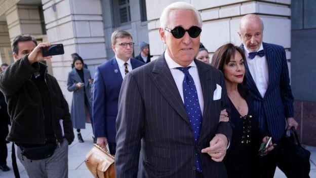 ترامپ محکومیت راجر استون، مشاور سابق و دوست خود را لغو کرد