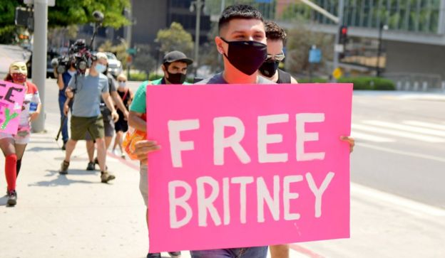 Britney Spears fans protesting