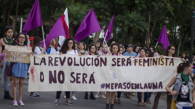 Marcha feminista del 18 de noviembre de 2018, por parte del grupo Me Pasó en la UNA.