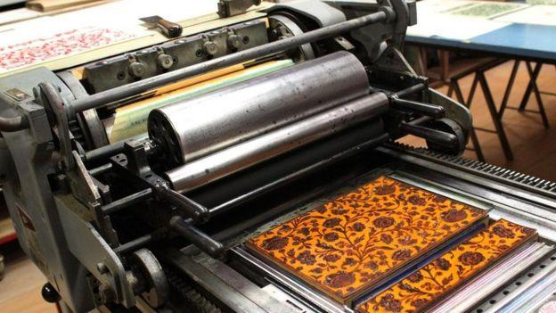 يؤسس أولبي من خلال ورشته للطباعة مركزا ثقافيا يكرسه لمختلف الفنون المتصلة بطبع الكتب