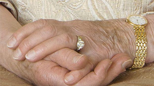Обручальное кольцо королевы