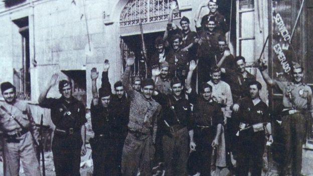 Combatientes nacionales.