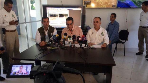 Autoridades explicam as causas da falta de água
