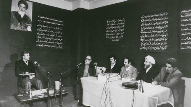 جلسه محاکمه عباس امیرانتظام در دادگاه انقلاب
