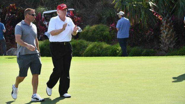 Ông Trump tại sân gôn ở Mar-a-Lago, Florida hôm 29/12/2017
