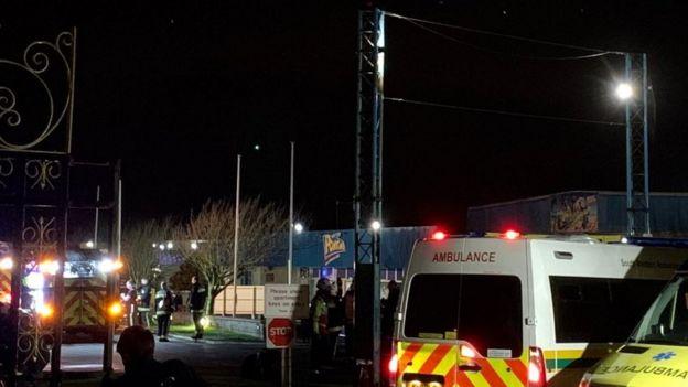 Pontins Brean Sands: Ceiling collapse injures 18 - BBC News