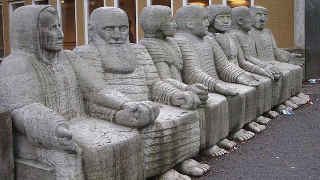 """A escultura """"after Bath"""", em Estocolmo"""