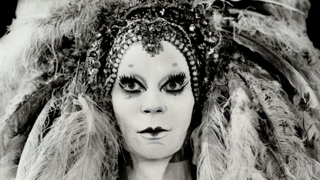 Lindsay Kemp performing as Salome in 1978