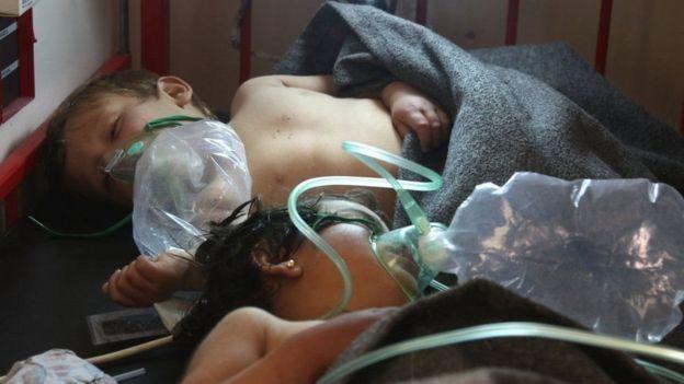 دولت سوریه دست زدن به آن حمله شیمیایی را یک اتهام بی اساس می داند
