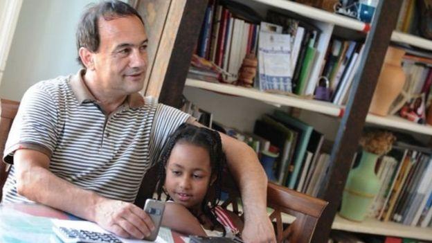 دومنیکو لوکانو به خاطر حمایت از مهاجران شهرت بین المللی دارد