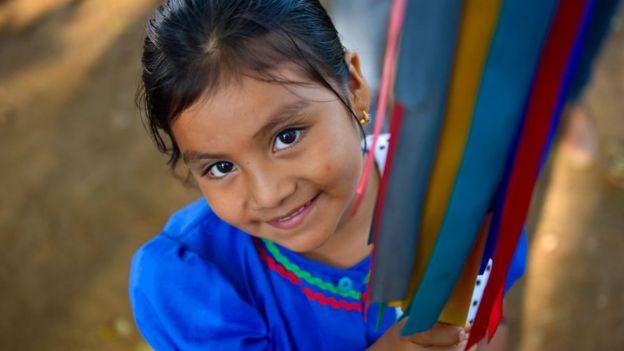 Niña en El Salvador