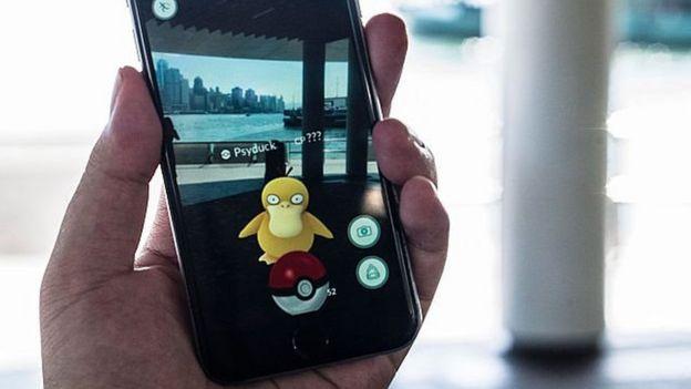 Un jugador con Pokémon Go