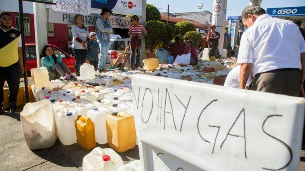 Gasolinera en México, 9 de enero