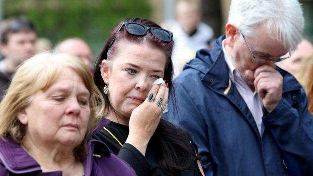 Lyra McKee: Standing ovation as priest challenges