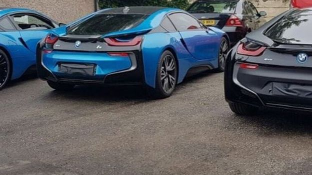 Leicester City Players Change Their Car Colours From Team Blue Bbc