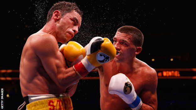 Lee Selby lands with a right hook against Fernando Montiel
