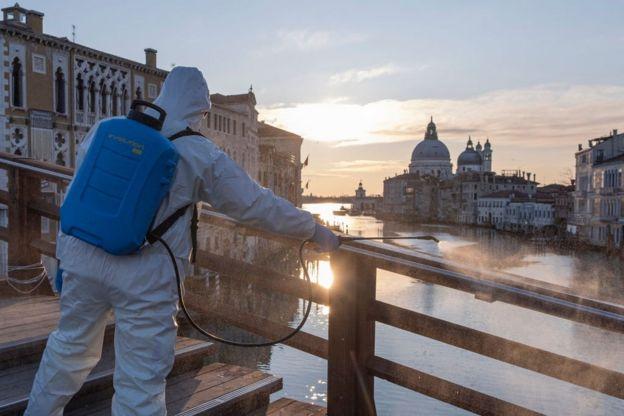 Дезінфекція у Венеції