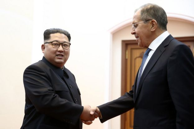 Kim Jong-un (left) greets Sergei Lavrov in Pyongyang, 31 May