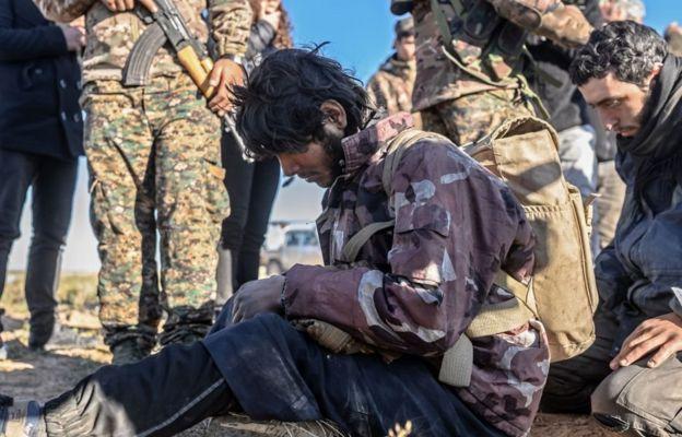 """استسلام دفعة من مقاتلي """"تنظيم الدولة الإسلامية"""""""