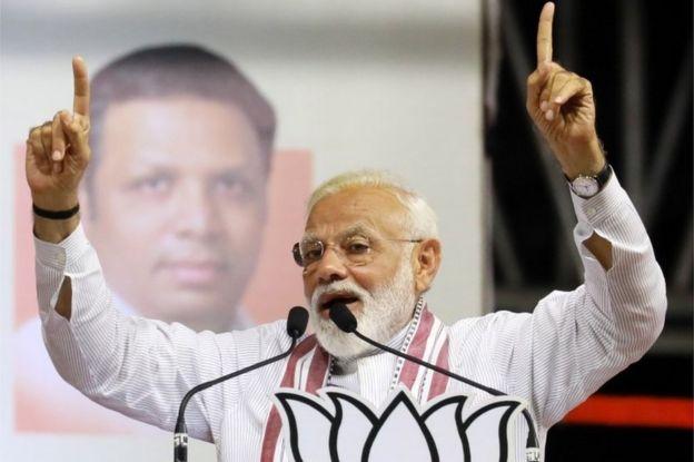 O líder do partido BJP, Narendra Modi, discursa durante um evento eleitoral em Mumbai, Índia, em 26 de abril de 2019
